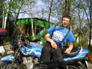 Леха Назаев - моц (хоть и не его) под цвет футболки, хехе...