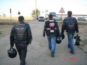 За мотоциклами и домой