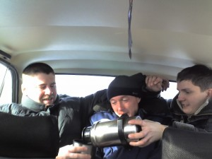 Пастор пацанов придавил, да еще и чаю требует наливать :)