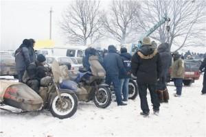 А это особо отмороженные литовцы :) Тестили Харлик на зимних дорогах...