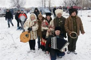 Душевно поплясали в хороводе под частушки и русские народные... эх!